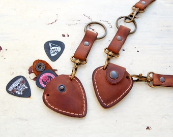 Personalized leather guitar pick holder with Initials - Include keychain & GIFT Strap - fathers day gif