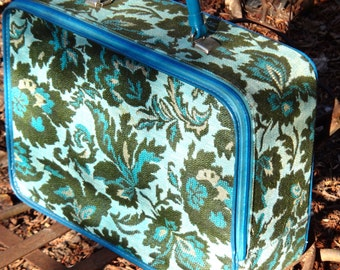 Train Case, Blue Green Suitcase, Retro Luggage, 1970s Carpet Bag, Vintage Storage, Overnight Bag, Fabric Suitcase, Travel Gear, Casa Karma