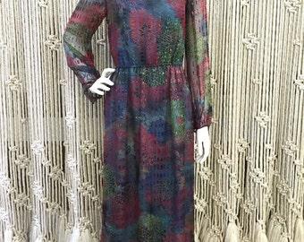 Gorgeous 1970's silk designer Gentillesse flowy dress