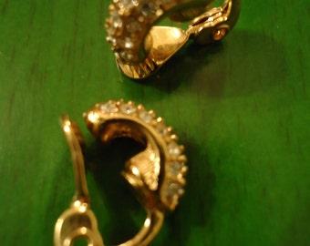 Vintage 1980s Golden Twinkle Clip on Earrings