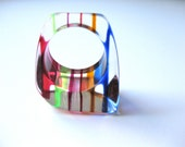 Lucite Ring Clear with multi rainbow colored stripes size 6.5 Boho fashion Statement 1960s