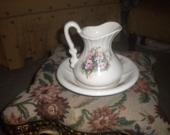 Charming Pitcher and Bowl, Shabby Chic, Eclectic