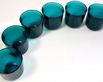 Six Fasetti tumblers in teal glass designed by Kaj Franck for Nuutajärvi, ca 1954