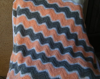 Gorgeous Crocheted Chevron Baby Blanket in Peach, Grey and White