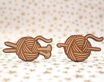 Knitting needles, crochet hook with yarn Cross Stitch Needle Minder, Wood Magnetic Needle Minder. Hand embroidery, Needle Keeper.