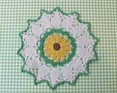 Pretty Green and White Vintage Pot Holder with Golden Yellow Daisy Center