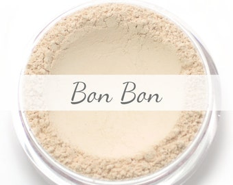 "Mineral Wonder Powder Foundation Sample - ""Bon Bon"" - very light shade with a pink undertone - vegan makeup"