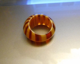Retro Groovy  Rootbeer & Cream Striped Lucite Bubble Ring ~ 1960's New Old Stock
