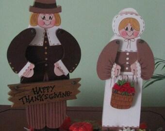Pilgrim Couple, Centerpiece, Thanksgiving, fall, shelf sitter, handpainted, wood