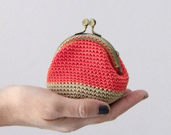 Crochet coin purse, retro coin purse, kiss lock coin purse, color block coin purse, the Coral Keeper, in coral and beige