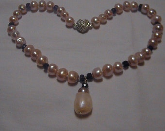 Stunning Genuine Amethyst And Natural Freshwater Pearl Necklace