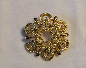 Vintage Gold Knot Style Brooch