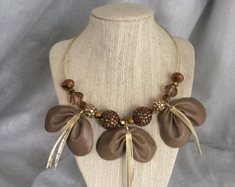Short Golden Brown Chunky Bead Necklace