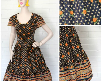 Vintage 1950s Floral Dress M/L
