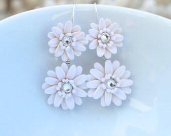 White Gerbera Daisy Earrings. Bridal Gerbera Daisy Earrings. Double Flower Earrings