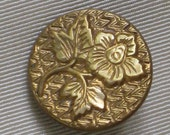 """Antique Victorian Metal Button with Flower and Leaves Design - Gilt Brass - Shanked - """"Extra Fein"""" - Medium Size - Vintage Supplies, Notions"""