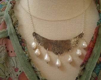 Scalloped Silver Etched Tear Drop Pearl Bib Necklace