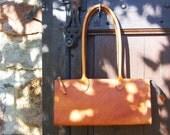 Caramel Patina B-Bag 12 inch - Handstitched leather handbag