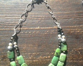 Green agate with silver beads and pearls
