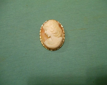 One (1), Hand Carved Shell Cameo, in a 12 Karat Gold Filled Frame, Brooch / Pendant.
