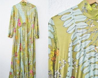 Vintage 60s Vanity Fair Green Floral Fauna Dress Maxi Long Gown / Womens Clothing / Green Flowers / Drawstring