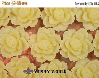 ON SALE Resin Cabochon - 5pcs - Flower Cabochon - Cream Yellow - Cabochon - SW47-2