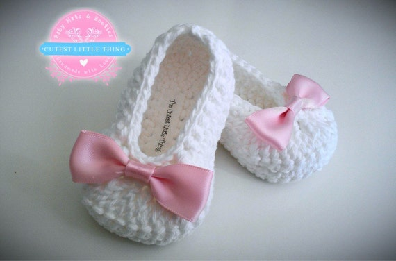 White Crochet Baby Booties, Christening Shoes, Baptism Shoes, Pink Bow Crochet Booties, Baby Girl Booties, Baby Shower Gift, Baby Shoes