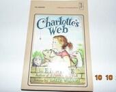 Vintage 1980 Charlotte's Web book PB E.B. White Harper Trophy Book