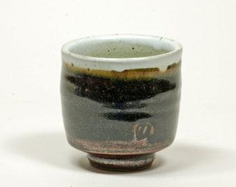 White and Tenmoku cup (yunomi)