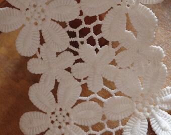 ivory lace trim with daisy, venise lace trim, off white flowers lace trim