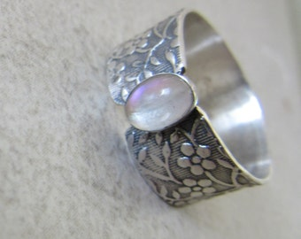 Rainbow Moonstone ring - Silver stone Ring