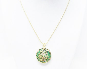 Round Layered Gold Plated on Green Pendant Necklace