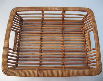 vintage low tray basket with wood from the 1980's or earlier with built in handles