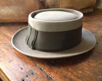 Resistol Gray and Black Felt Fedora Hat Wide Banded Size 7 Medium