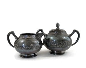 Victorian Creamer & Sugar Bowl by Middletown Plate Company