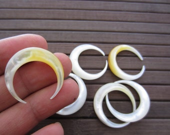 Excellent  27 mm Double horn Crescent  Mother of Pearl, NOT DRILLED, Jewelry making supplies B5511