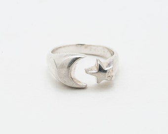 Vintage Silver Moon and Star Ring