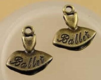 6pc 15x14mm antique bronze finish ballet dress pendant-10305