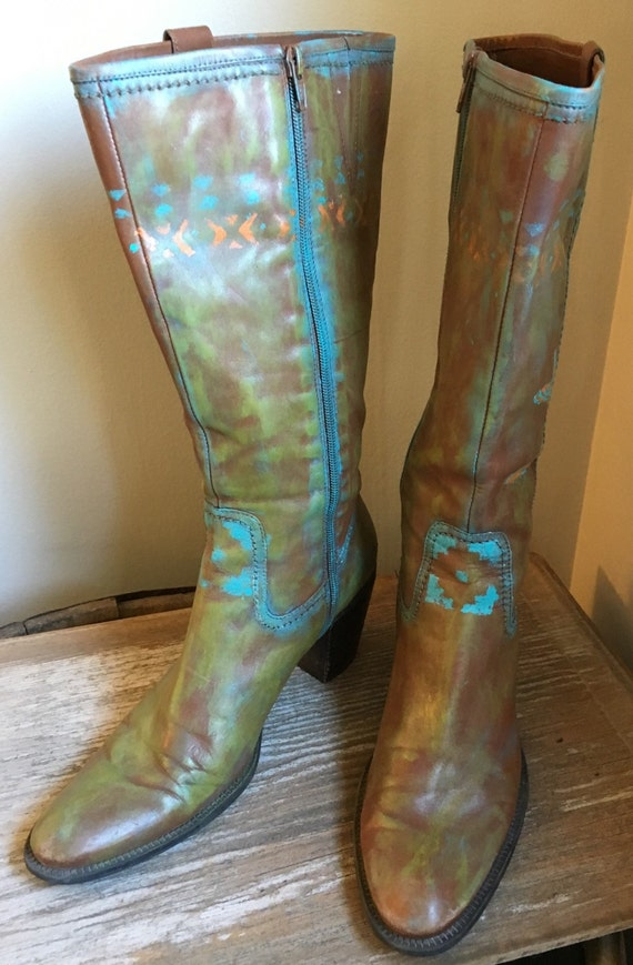 Perfect Corral  Women39s Grey Cowhide Hand Painted Snip Toe Boots  C2808