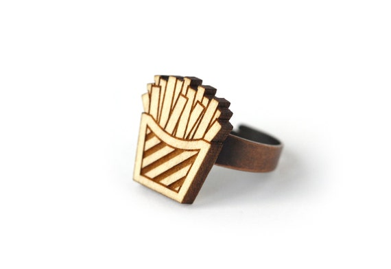 French fries ring - lasercut maple wood - kitsch ring - fast food jewelry - retro jewellery - graphic ring - one size fits all - OSFA