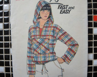 vintage 1980s Butterick sewing pattern 5267 misses hooded top with front pocket size small