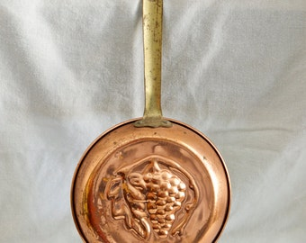 Vintage copper mold...copper pan...fruit cake pan…grapes…grapevine.