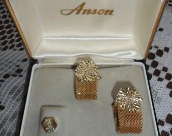 Vintage Signed Anson Mens Shirt Cuff Links Cufflinks and Tie Pin Bar Set Diamond Cut Gold Tone Hexagon Geometric in Original Box 1960s