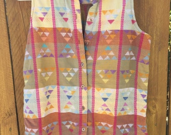 Colorful Button-Up Collared Sleeveless Shirt