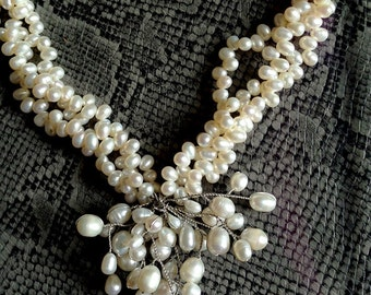 3 rows necklace twisted into freshwater pearls