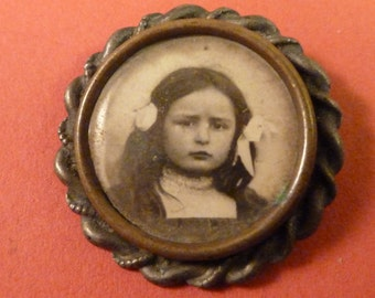 Antique  French  silver  Photo Frame  Brooch  pin  Vintage jewelry