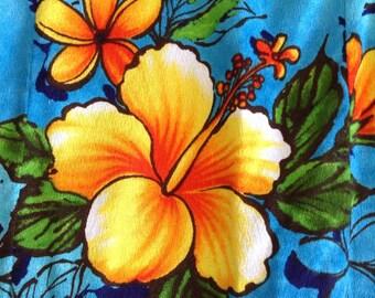 Vintage Ui Makai Ladies Hawaiian Hibiscus Dress, Brilliant Retro Dress