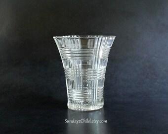 Anchor Hocking Clear Vase -Basket Weave -  Vintage AHC34 - Ribbed Horizontal and Vertical Art Deco Design