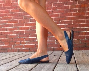Late 80s navy leather slingback flats sz 7.5 7