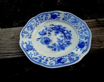 blue onion transferware 2 dinner plates czech?